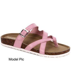 NIB Madden Girl Barlet Sandal (9)